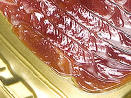 Нарезанные мясные и рыбные продукты, нарезанный сыр